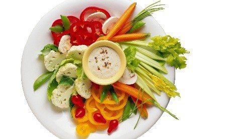 veggie_plate_dip-5d845be286eda4a7ba1d314e7291e5bf