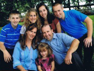 Niederman Family Farm - Bob & Bethann Niederman & Family