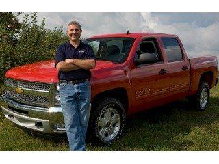 Ohio Farm Bureau President Steve Hirsch shows off the GM member benefit