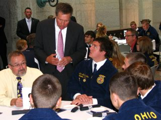 Gov. Kasich talking to one of the 200 FFA members that attended the Ohio Legislative Leadership Conference.