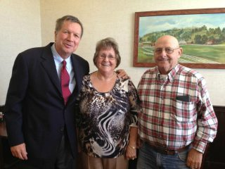 Governor John Kasich, Membership Chair Vickie Powell, and Gallia County Farm Bureau President Paul Shoemaker