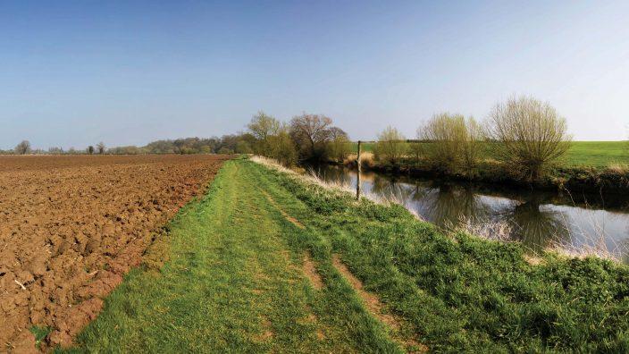 river avon stratford-upon-avon warwickshire england uk
