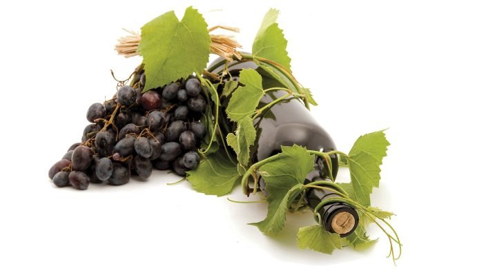 winebottlegrapes