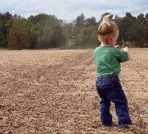 stroud-child-in-field