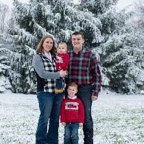 Hannah and Joe DiVencenzo and family